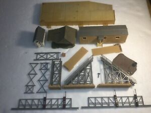 Ho Scale Sheds Trailer Home & Signal Bridge Kit Bash Tyco Faller No Reserve!