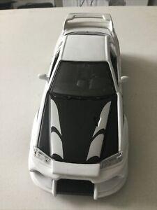 Maisto 1/24 - Nissan Skyline R34 GT-R Diecast model car
