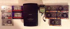 Sony TCM-939 Compacto reproductor de cassette, adaptador 6 V Original y 10 cintas de cassette.