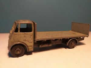 DINKY SUPERTOYS GUY FLAT TRUCK with tailboard, 513, c1947