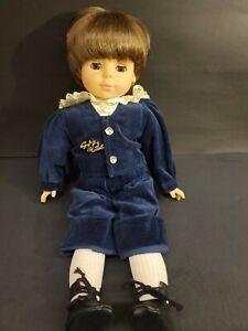 """Gotz Puppe Modell Boy 18"""" Brown Hair Amber Brown Eyes Navy Blue Velvet Suit"""