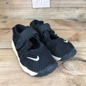 Nike Air Rift Kids Girls/Boys Black Knit Snap Summer Sandals Shoes Size UK9.5