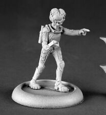 Reaper Miniatures - 50144 - Alien Overlord with Tracker - Chronoscope
