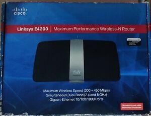 Cisco Linksys E4200 dual band 2.4 - 5 GHz Wireless-N Router LAN USB