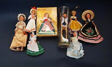 Lot / Pack - 8 Collector Folk Dolls / 8 Poupées Folkloriques de Collection