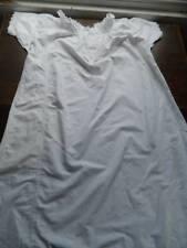 Antique en coton blanc Femme Court Chemise de nuit. Swiss Broderie Dentelle UK 10