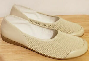 Stretch n Form by Beacon Womens Slip On Comfort Walking Shoes Ivory Size 10W