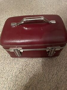 Vtg Burgandy American Tourister Train Case Cosmetic Makeup Over Night Case