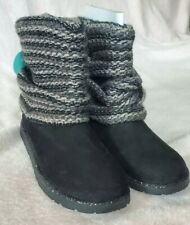 NEW IN BOX Girls Size 4 Black Grey Sweater Booties
