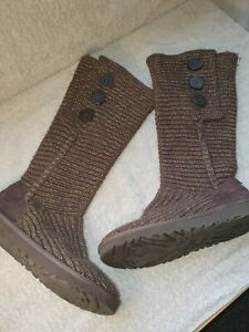 Ladies Brown / Gold UGG Knitted Boots Size 5.5