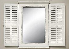 SPECCHIO muro bianco con persiane SPECCHIO LEGNO CASA DI CAMPAGNA finestra