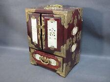 Ancienne magnifique boite à bijou de style chinois avec petit cadenas en laiton
