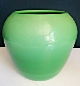 Cambridge glass works, green jade opaque glass 1920's vase pot