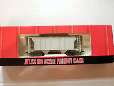Atlas #1800 Ho Scale Undecorated Ps-2 2 Bay Covered Hopper  00004000