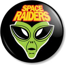 """Space Raiders 25mm 1"""" Pin Button Badge Retro Snack Crisps Alien Pickled Onion"""