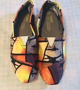 TOMS Mens 11 Destination Journey Print Canvas Shoes