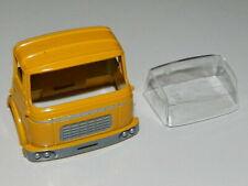 dinky 588 584  berliet brasseur GAK  cabine avec vitrage  peinture neuve