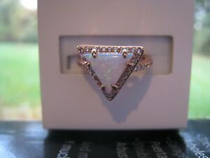 Ring Bomb Party Girl Boss Unicorn Lt White Fire Opal Triangle Rose Gold size 6