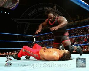 "WWE Mark Henry Ring Action Photo (Size: 8"" x 10"")"