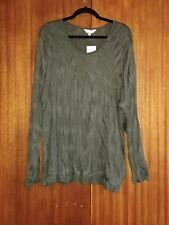 Capture - ladies plus size crushed top - size 24 BNWT