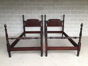 ANTIQUE MAHOGANY PINEAPPLE POSTER CHIPPENDALE STYLE TWIN BEDS - A PAIR