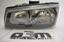 2003-2007 Chevrolet Silverado Avalanche LH Driver Headlight new OEM 10396913