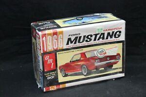 AMT 1966 FORD MUSTANG HARDTOP Model Kit 1:25 Open Box NICE