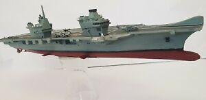 HMS Queen Elizabeth 1/350 model ship including below waterline