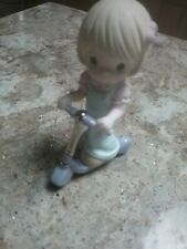 "Precious Moment 2009 Figurine ""I've Got Things to Do And Places To Go"" Nib"