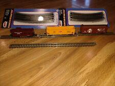 Model Train N Scale Gondola, Box Car & Caboose 5 Straight Track 12 Curved