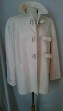 Magnifique manteau SANDRO taille 40 en parfait état comme neuf.
