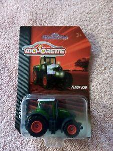 Majorette - 1/64 - #21 205 7400 Fendt 939 Tractor - Green, Grey & White