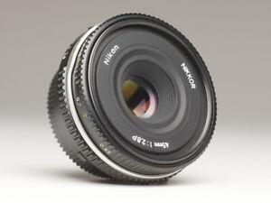 Nikon Ai-P 45 mm f/2.8 Pancake schwarz