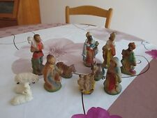 b6 12 santons en plâtre moderne probablement allemands en bel état jesus marie..