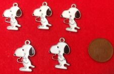 A Set of 5 X Snoopy The Dog (Charlie Brown) Enamel Charm Pendants With Heart(C1)