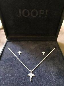 JOOP! Set Halskette mit Anhänger und Ohrstecker mit markentypischen Kornblumen