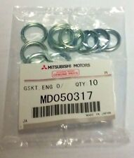 Genuine Mitsubishi Oil Filters MZ690072 Qty of 10 PLUS Drain Plug Gaskets Seals