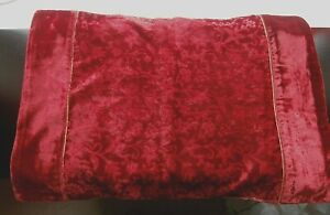 """VINTAGE STYLE RED VELVET BROCADE PLACE MAT/TABLE MAT ~ 19"""" x 13"""""""