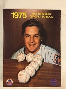 1975 The New York Mets Official Yearbook Good Condition Tom Terrific Seaver