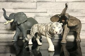 SCHLEICH PAPO, Lot 2 Elephants + 1 Tigre Blanc.