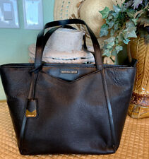 Authentic Michael Kors Medium Pebbled Leather Tote Bag W/V-Shape Pocket ~Classy!