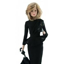 American Horror Story Coven Fiona Goode Doll, #14085 Integrity Toys nrfb