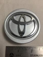 2000-04 Toyota Matrix Camry Avalon Yaris Wheel Center Hubcap Cap OE 42603 AE020