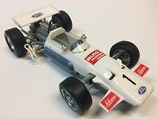 Schuco (1075) 1/16e Ford Brabham BT 33 Formel 1