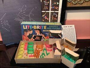 Vintage Hasbro 1968 Lite Brite Shapes and Forms Accessory Kit 32 PCs + 450 Lites