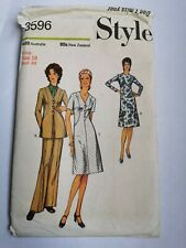 RETRO VINTAGE Dress Sewing Pattern. Size 18. Uncut.