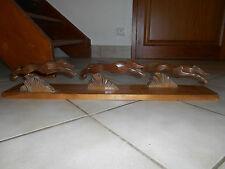 Planche Décoration Bois Sculpté Chien Lévrier pour création Porte Manteau