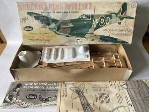 "Guillows Supermarine Spitfire 16.5"" Balsa Wood Model Airplane Kit 504 Vintage"