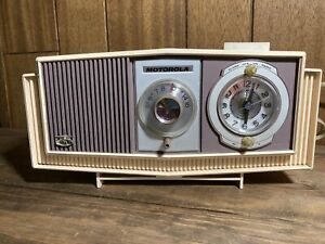 Vintage Motorola Clock Radio Model C4P1 43 Alarm Clock Tube Radio