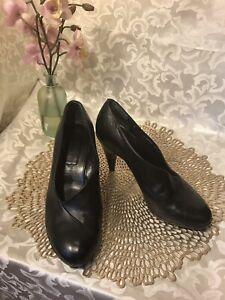 ROBERT CLERGERIE France Black Leather HEELS  Pump Shoe 8M NICE